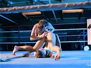 powerful gash licking in boxing ring