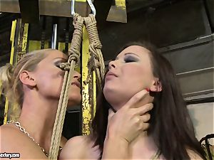 Kathia Nobili cane the tongue of sweetie chick