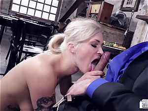 backsides BUERO - Steak and oral pleasure boink with super-fucking-hot waitress
