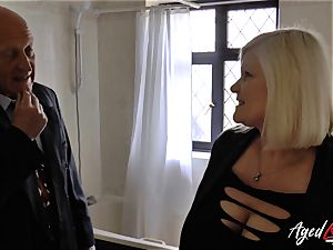 AgedLovE Lacey Starr pummeled rock hard with Sales Agent