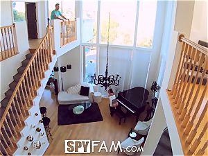 SpyFam Step sister Aidra Fox caught jacking