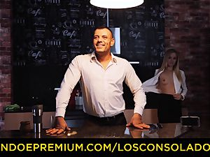 LOS CONSOLADORES - Hungarian platinum-blonde gets plowed point of view