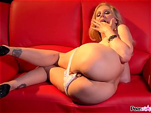 ultra-kinky mummy Julia Ann frolicking with her mouth-watering milfy gash