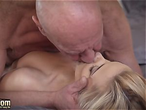 Sugar parent plumbs his first nubile she is so sexual