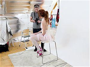 MY wild ALBUM - red-hot Slovak model pulverizes photographer