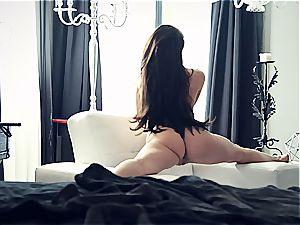 youthfull porn industry star Lana Rhoades is astounding