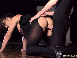 Ballet honey Bijou converts to a crazy chick