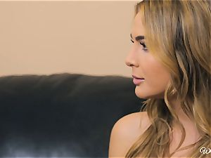 Carter Cruise and Blair Williams love each others red-hot coochies