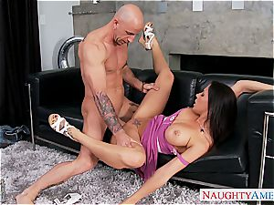 Irresistible Rachel Starr has supreme melons and pounds like a pro