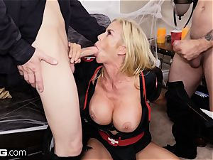 plumb Confessions Alexis gives stepson a Halloween handle