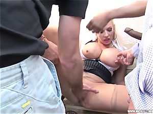 fans smoking gang rub jack with Michelle Thorne