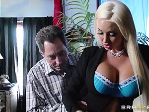 Summer Brielle Taylor enjoys her fantasy fuck