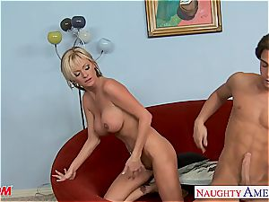Allison Kilgore prepared for his wood in her tight rosy cootchie