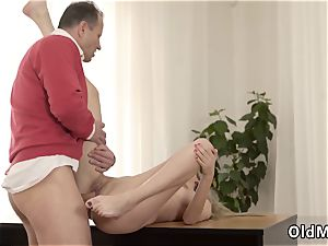 gang-fuck Stranger in a enormous building knows how to sizzling you up