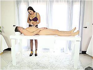 jaw-dropping massagist milking shy fellow