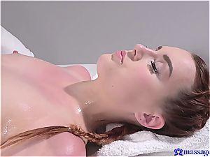 wondrous honey loves a wild massage