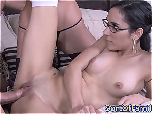 mommy and stepdaughter 3 way poking