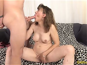 older lady babe Morgan jerks and drills