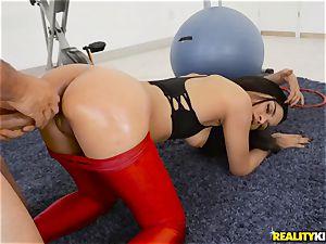 sticking Maya Bijou deep in the minge in the gym
