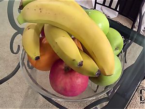 Banana lovinТ lesbians