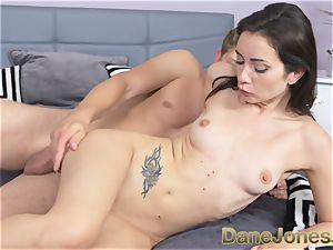 Dane Jones diminutive freckled Italian dame gets creampie