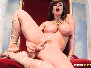 Divine mature Lisa Ann tests phat manstick on Olympus