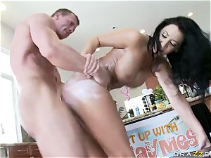 Culinary showcase presenter Jayden Jaymes gets her cunny rammed with firm cocks