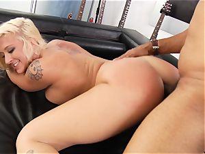 Leya Falcon ass-fuck and orb douche