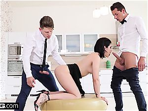 girl Dee nails the room service waiter and beau