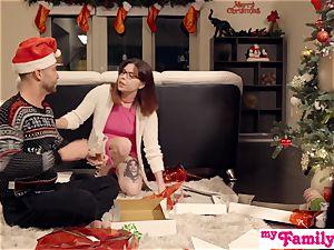 Stepbro's Christmas 3some And sis internal cumshot S5:E6